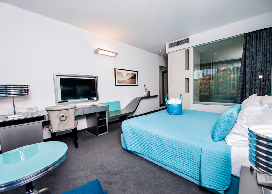 Bagno In Camera Con Vetrata : Camera doppia hotel rovigno hotel arupinum rovigno